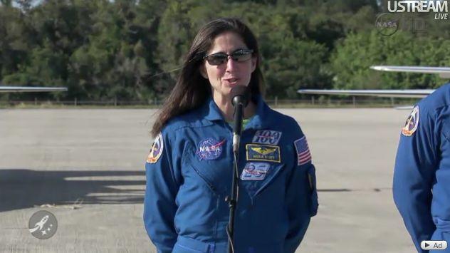 [STS-133] Discovery : Préparatifs (Lancement prévu le 24/02/2011) - Page 18 Capt_142