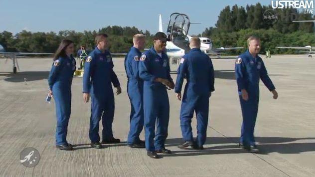 [STS-133] Discovery : Préparatifs (Lancement prévu le 24/02/2011) - Page 18 Capt_143