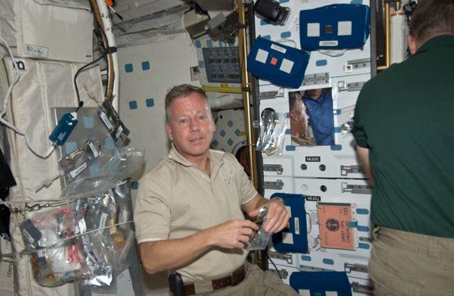 [STS-133] Discovery: Déroulement de la mission. - Page 4 Capt_166