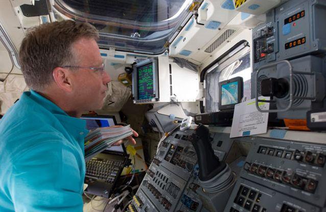 [STS-133] Discovery: Déroulement de la mission. - Page 4 Capt_169