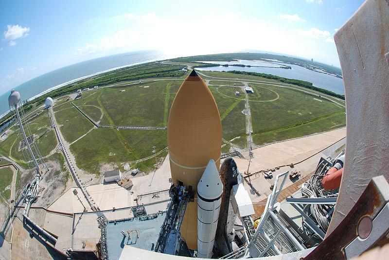 [STS-133] Discovery : Préparatifs (Lancement prévu le 24/02/2011) - Page 13 Sans_104
