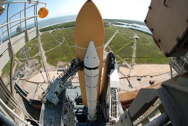 [STS-133] Discovery : Préparatifs (Lancement prévu le 24/02/2011) - Page 13 Sans_105