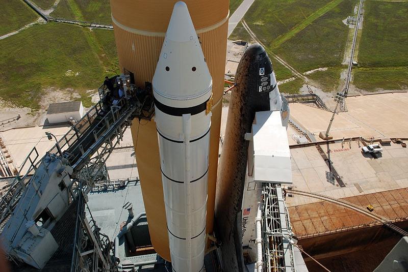[STS-133] Discovery : Préparatifs (Lancement prévu le 24/02/2011) - Page 13 Sans_106