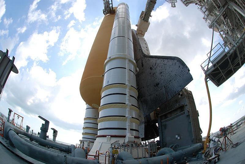 [STS-133] Discovery : Préparatifs (Lancement prévu le 24/02/2011) - Page 13 Sans_111