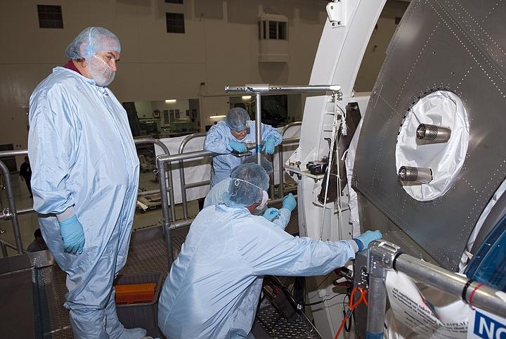 [STS-133] Discovery : Préparatifs (Lancement prévu le 24/02/2011) - Page 13 Sans_118
