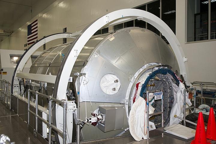 [STS-133] Discovery : Préparatifs (Lancement prévu le 24/02/2011) - Page 13 Sans_120