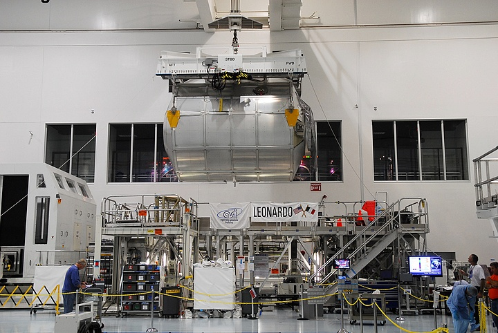 [STS-133] Discovery : Préparatifs (Lancement prévu le 24/02/2011) - Page 14 Sans_176
