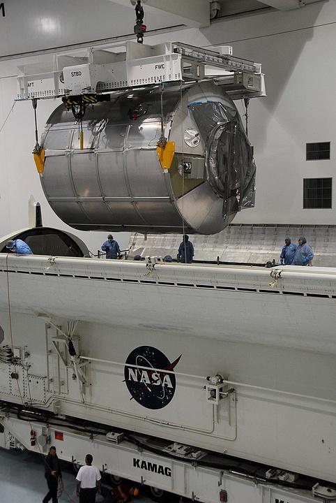 [STS-133] Discovery : Préparatifs (Lancement prévu le 24/02/2011) - Page 14 Sans_180
