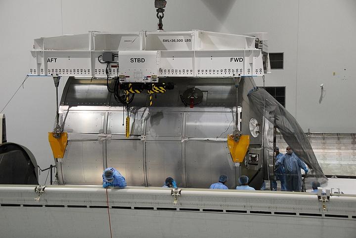 [STS-133] Discovery : Préparatifs (Lancement prévu le 24/02/2011) - Page 14 Sans_181