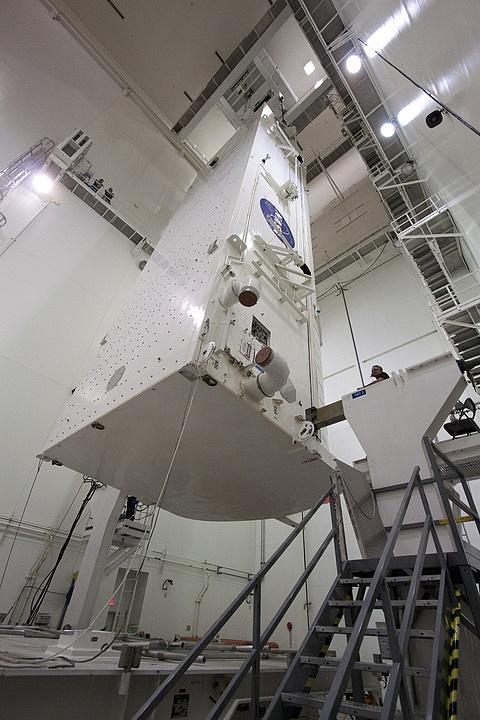 [STS-133] Discovery : Préparatifs (Lancement prévu le 24/02/2011) - Page 15 Sans_200