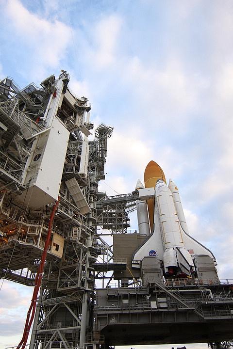 [STS-133] Discovery : Préparatifs (Lancement prévu le 24/02/2011) - Page 15 Sans_240