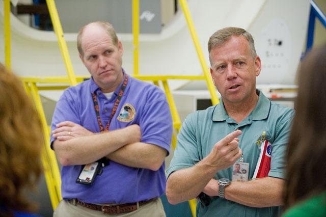 [STS-133] Discovery : Préparatifs (Lancement prévu le 24/02/2011) - Page 15 Sans_243
