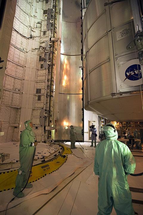[STS-133] Discovery : Préparatifs (Lancement prévu le 24/02/2011) - Page 15 Sans_250