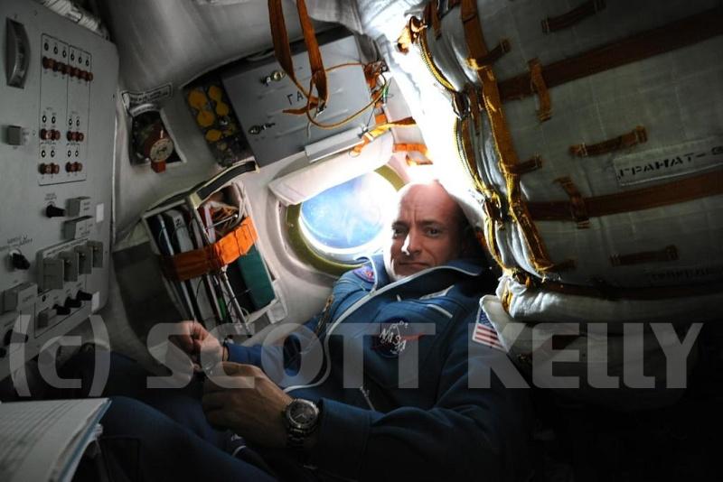 Le vol de Soyouz TMA-M - du 8 octobre 2010 au 16 mars 2011 - Page 5 Sans_253
