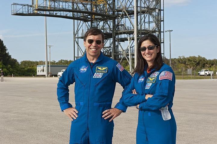 [STS-133] Discovery : Préparatifs (Lancement prévu le 24/02/2011) - Page 16 Sans_258