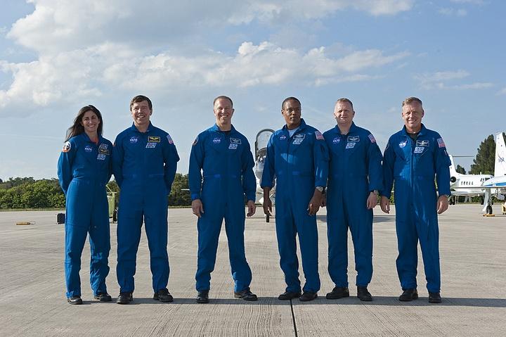 [STS-133] Discovery : Préparatifs (Lancement prévu le 24/02/2011) - Page 16 Sans_261