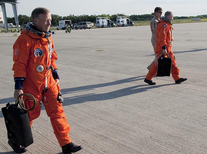 [STS-133] Discovery : Préparatifs (Lancement prévu le 24/02/2011) - Page 16 Sans_263