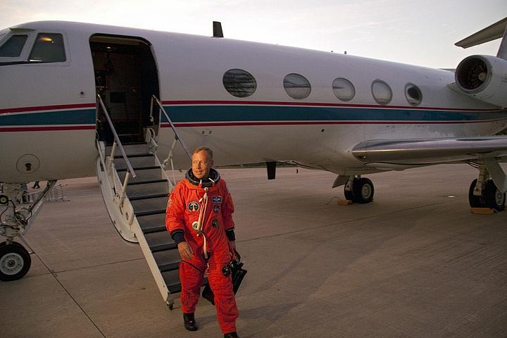 [STS-133] Discovery : Préparatifs (Lancement prévu le 24/02/2011) - Page 16 Sans_267