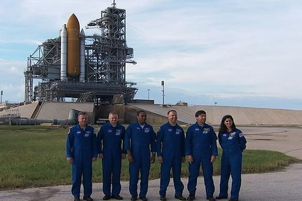 [STS-133] Discovery : Préparatifs (Lancement prévu le 24/02/2011) - Page 16 Sans_277