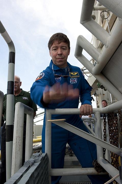 [STS-133] Discovery : Préparatifs (Lancement prévu le 24/02/2011) - Page 16 Sans_285