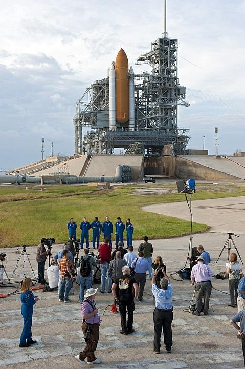[STS-133] Discovery : Préparatifs (Lancement prévu le 24/02/2011) - Page 16 Sans_288