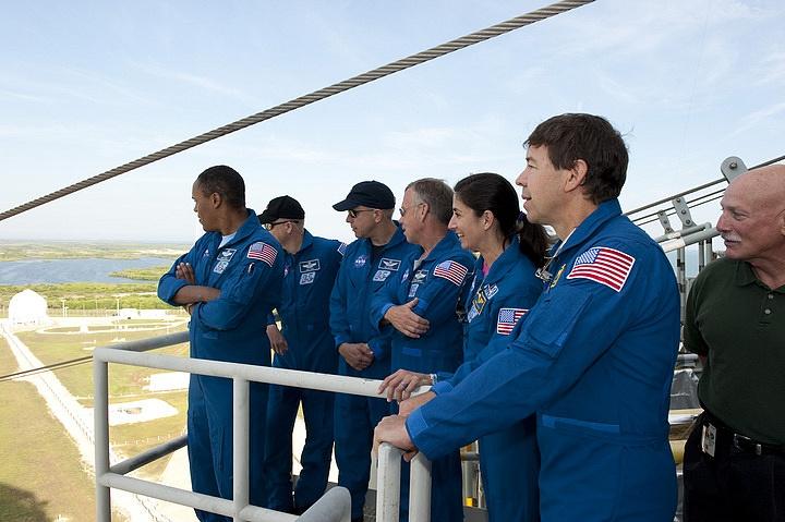 [STS-133] Discovery : Préparatifs (Lancement prévu le 24/02/2011) - Page 16 Sans_291