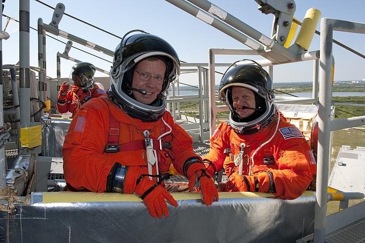 [STS-133] Discovery : Préparatifs (Lancement prévu le 24/02/2011) - Page 16 Sans_308