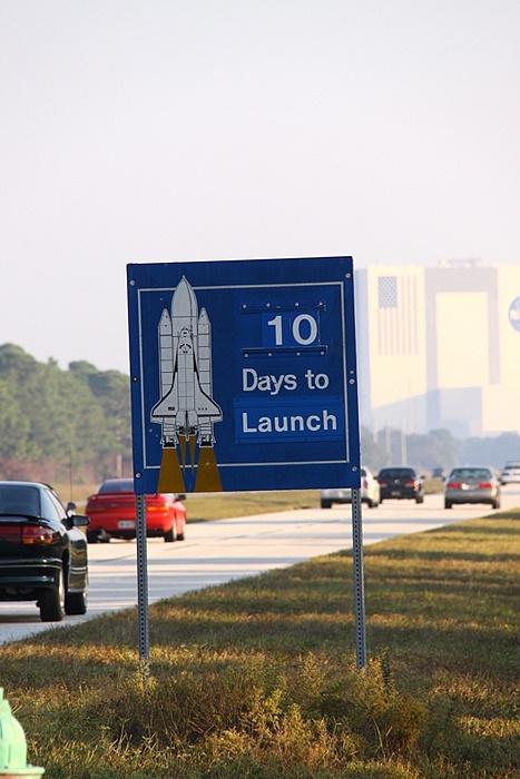 [STS-133] Discovery : Préparatifs (Lancement prévu le 24/02/2011) - Page 17 Sans_328