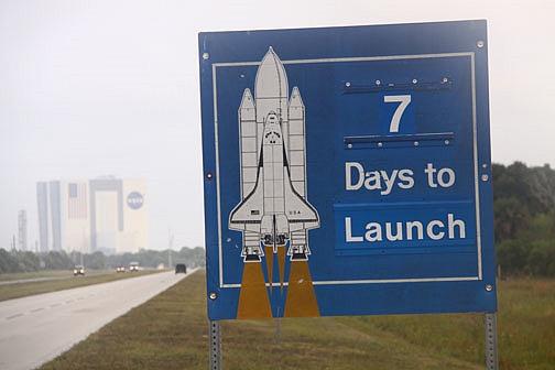 [STS-133] Discovery : Préparatifs (Lancement prévu le 24/02/2011) - Page 17 Sans_331