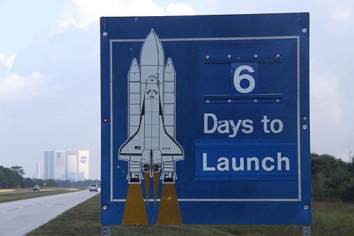 [STS-133] Discovery : Préparatifs (Lancement prévu le 24/02/2011) - Page 18 Sans_335