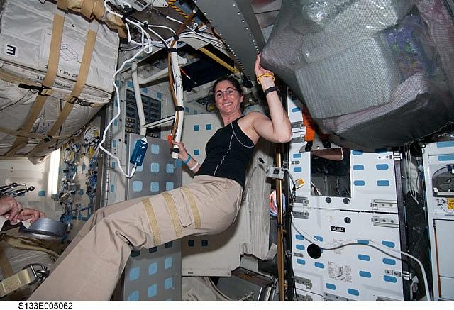 [STS-133] Discovery: Déroulement de la mission. Sans_354