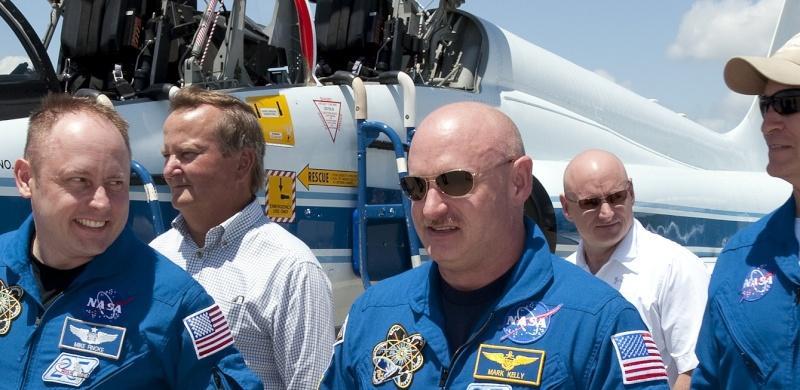 [STS-134] Endeavour : Préparatifs lancement le 29/04/2011 - Page 14 Sans_411