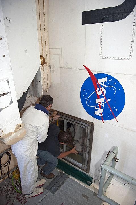 [STS-134] Endeavour: Suivi du lancement ( NET 16.05.2011) - Page 4 Sans_430