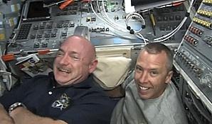 [STS-134] Endeavour: Déroulement de la mission.   Sans_446