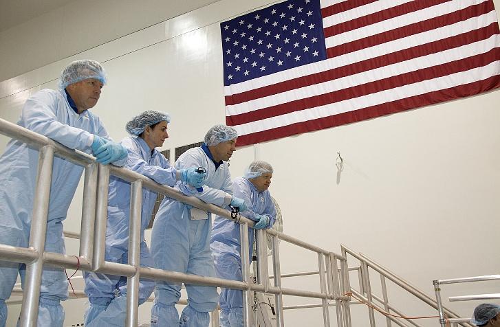 [STS-133] Discovery : Préparatifs (Lancement prévu le 24/02/2011) - Page 10 Sans_t16