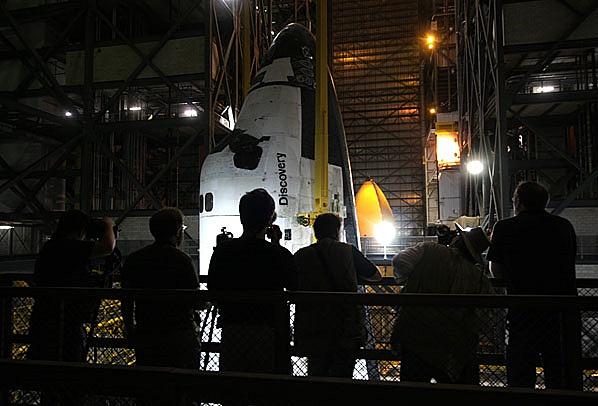 [STS-133] Discovery : Préparatifs (Lancement prévu le 24/02/2011) - Page 12 Sans_t60