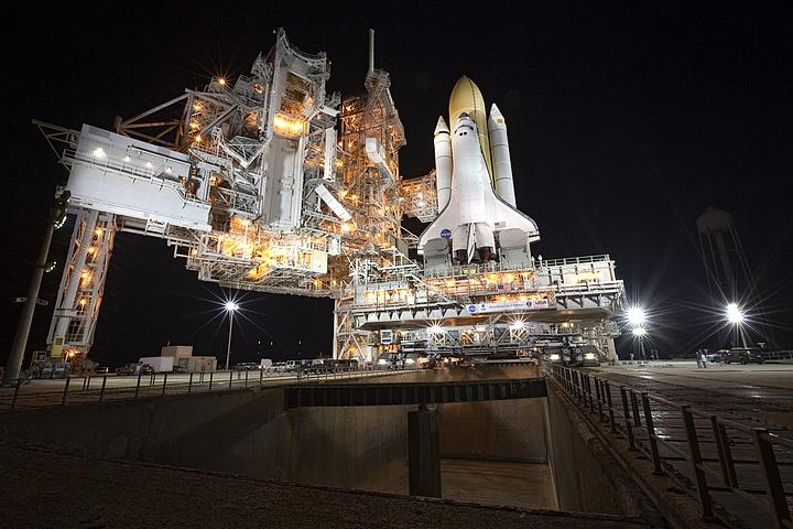 [STS-133] Discovery : Préparatifs (Lancement prévu le 24/02/2011) - Page 13 Sans_t84