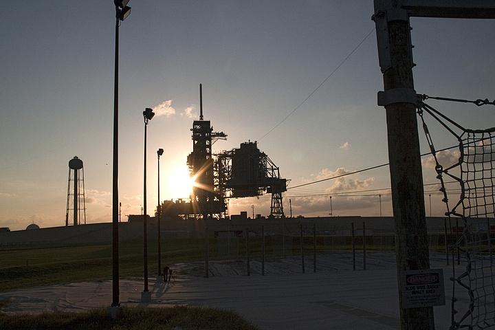 [STS-133] Discovery : Préparatifs (Lancement prévu le 24/02/2011) - Page 13 Sans_t91