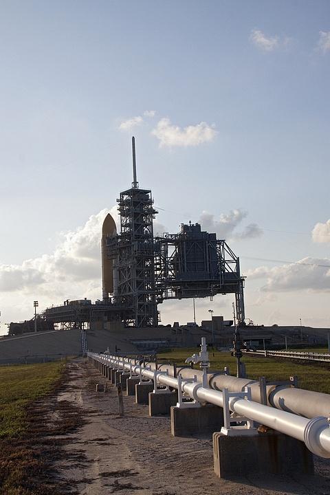 [STS-133] Discovery : Préparatifs (Lancement prévu le 24/02/2011) - Page 13 Sans_t93