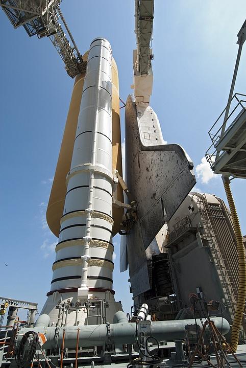 [STS-133] Discovery : Préparatifs (Lancement prévu le 24/02/2011) - Page 13 Sans_t98