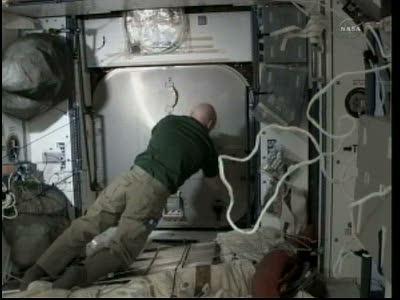 [STS-133] Discovery: Déroulement de la mission. - Page 3 Vlcsna80