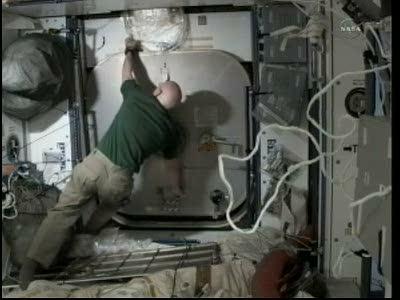 [STS-133] Discovery: Déroulement de la mission. - Page 3 Vlcsna81