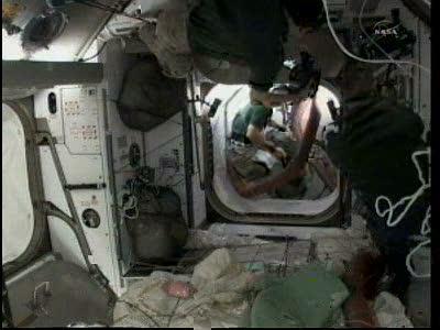 [STS-133] Discovery: Déroulement de la mission. - Page 3 Vlcsna84
