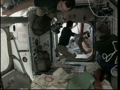 [STS-133] Discovery: Déroulement de la mission. - Page 3 Vlcsna85