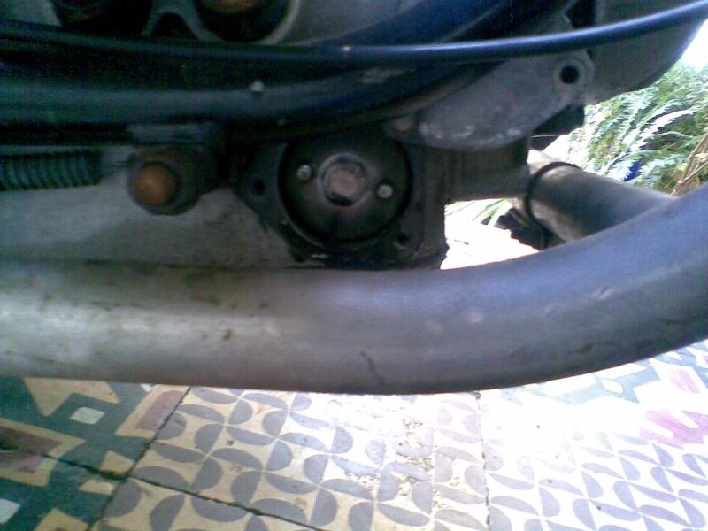 Témoin d'huile qui s'allume à bas régime quand le moteur est à température de fonctionnement - Page 3 Photo033