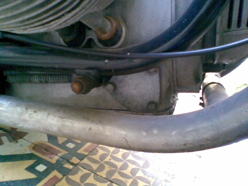 Témoin d'huile qui s'allume à bas régime quand le moteur est à température de fonctionnement - Page 3 Photo034