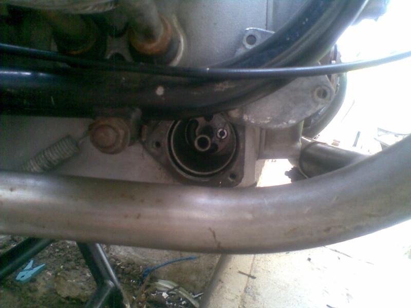 Témoin d'huile qui s'allume à bas régime quand le moteur est à température de fonctionnement - Page 4 Photo042