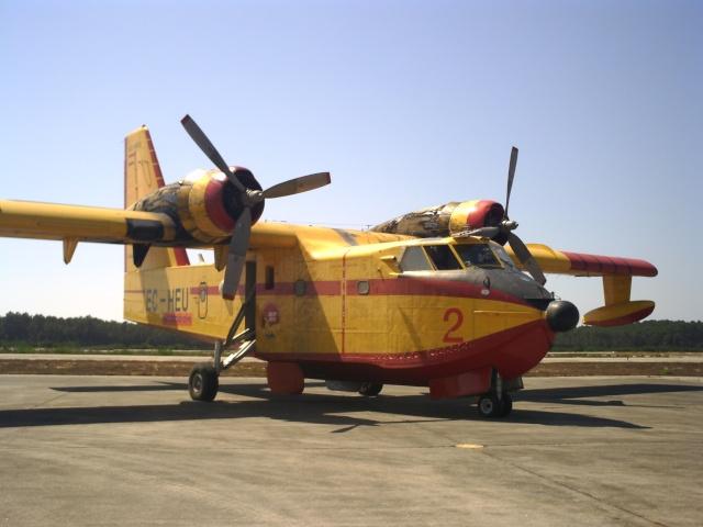 Canadair CL 215  une affectation pour l'aéronale navale jadis Pict0215