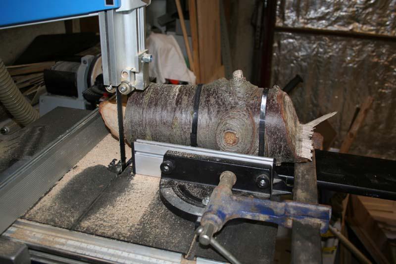 Gravure sur bois à la CN Tronc210