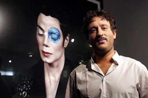Milano, Michael Jackson vestito di luce - Pagina 2 159410